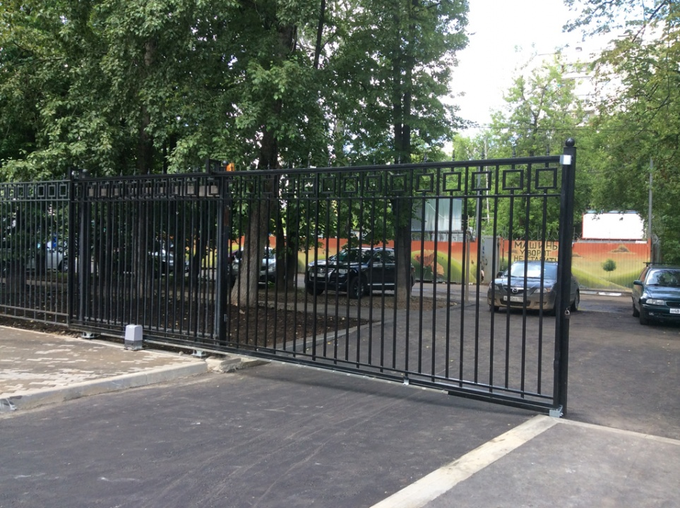 Откатные ворота c встроенной калиткой 3